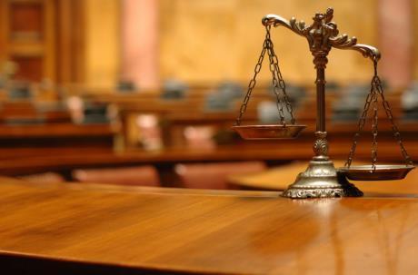 уголовный адвокат в суд